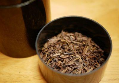 ほうじ茶で魚焼きグリルの臭いを消す