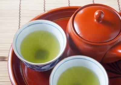 茶殻を煎る